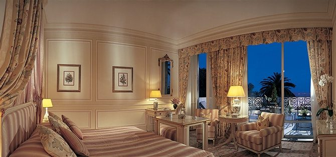 Olissippo Lapa Palace - Royal Suite Bedroom