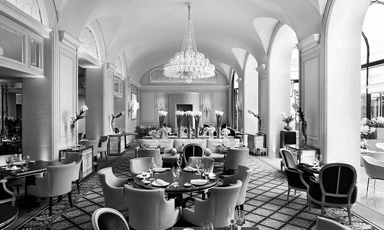 """Sommelier Gabriele Del Carlo - Restaurant """"Le George"""" Paris"""